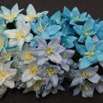 Лилии микс в голубых тонах 4 шт 3 см