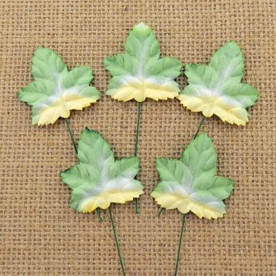 Листья клена,тонированные зеленые, 3 см, 10 шт.
