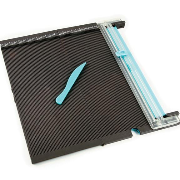 Доска для биговки и резак для скрапбукинга от We R Memory Keepers