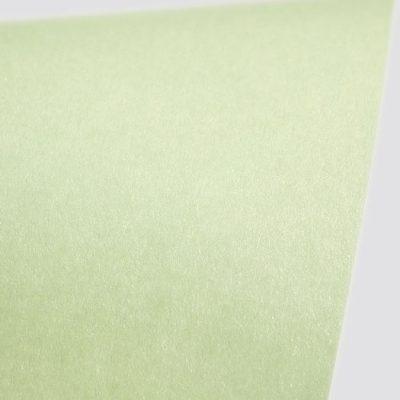 """Дизайнерская бумага """"Сияние"""" с перламутром, цвет светло-зеленый, 290 г/м2."""