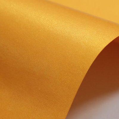 """Дизайнерская бумага """"Жемчужная"""" с перламутром, цвет сияющий оранжевый, 125 г/м2."""