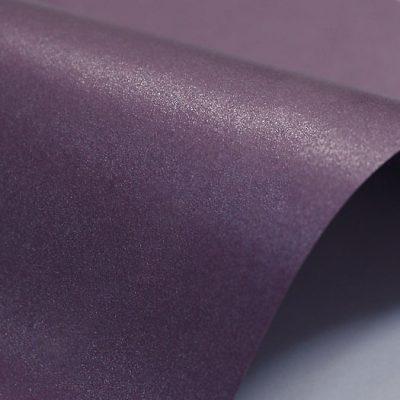 """Дизайнерская бумага """"Жемчужная"""" с перламутром, цвет глубокий фиолетовый, 300 г/м2."""