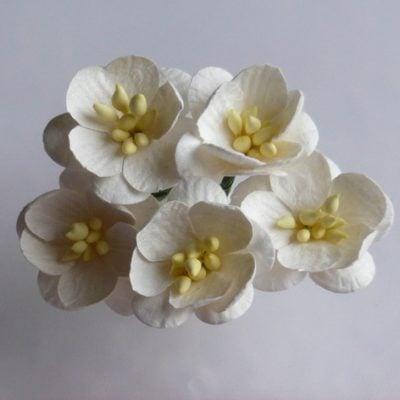 Цветы вишни 2,5 см, айвори, 5 шт