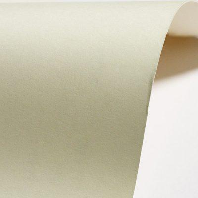 """Гладкая дизайнерская бумага """"Бодония"""", цвет слоновой кости, 30х30 см, 145 г/м2."""