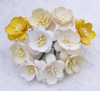 Цветы вишни микс в желтых тонах  5 шт 2.5 см