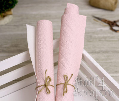 Кожзам «Крестики», нежно розовый, 45х35 см
