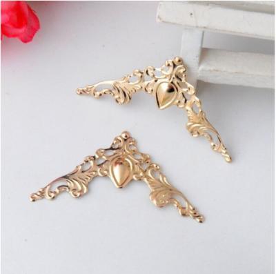 Уголки металлические декоративные, 40 мм, розовое золото, 1 шт.